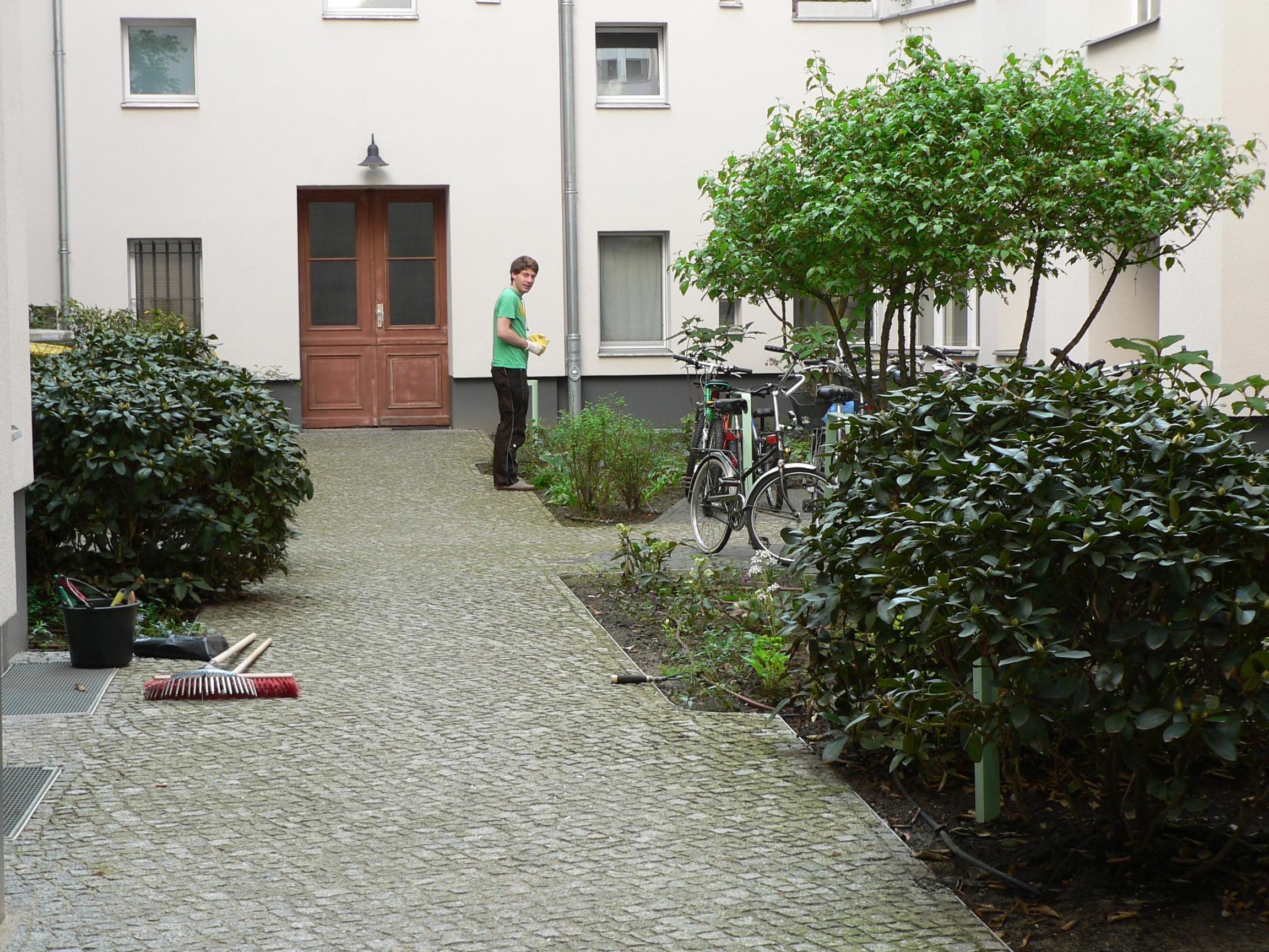 Innenhofpflege -Angebote für Hausverwaltungen in Berlin und Potsdam